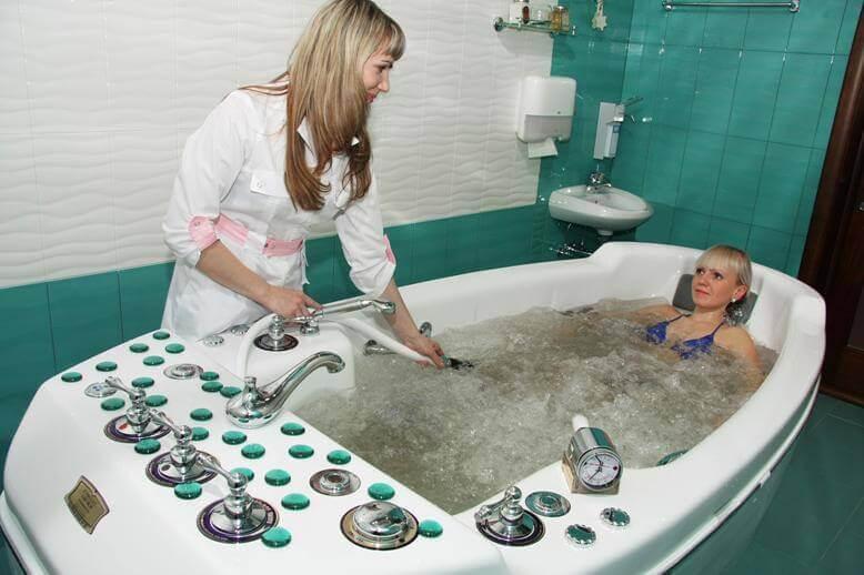 Подводный душ-массаж в санатории Беларуси Лесные озера