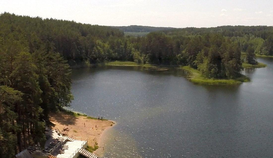 Озеро вблизи санатория Лесные озера